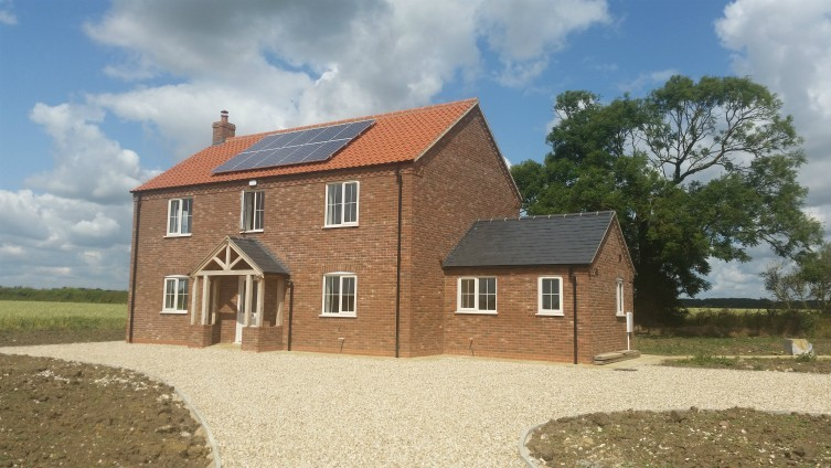 Fantastic new build property, with equestrian land, available to rent!