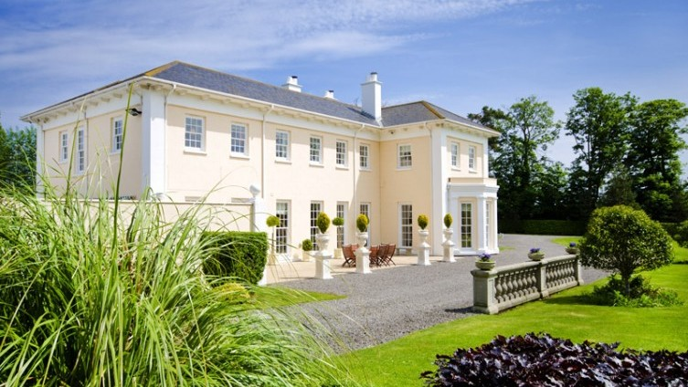 Opportunity not to be missed…outstanding modern country house significantly reduced in price!