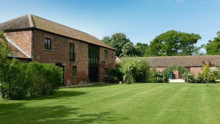 Looking for an outstanding barn conversion? Yes, well consider this!