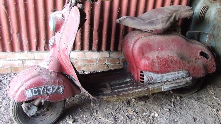 Lot 614: 1955 Lambretta - SOLD £900