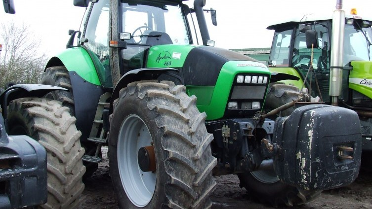 Tractor Challenger 377 : Th april robert bell company