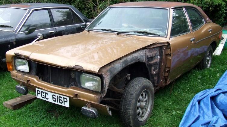 Lot 594: 1976 Cortina 2000E - SOLD £780