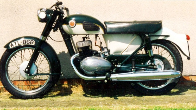 Lot 606: 1964 Francis Barnett Cruiser Twin 89 - SOLD £2,000