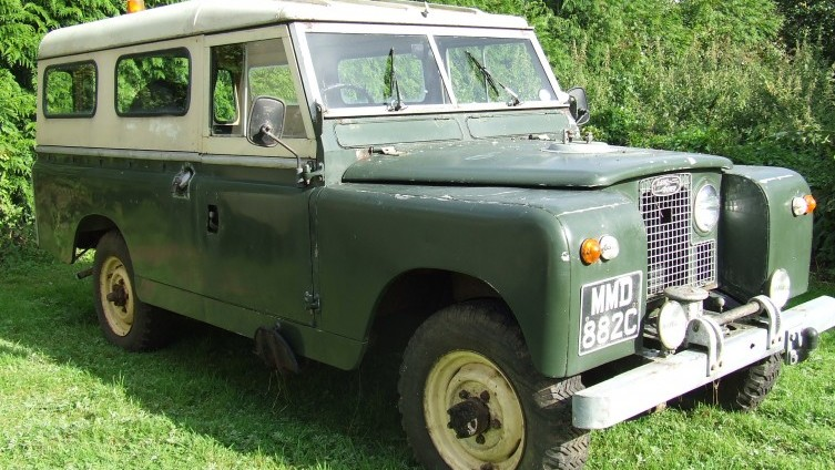 Lot 596: 1965 Land Rover Series 2A - SOLD £2,300