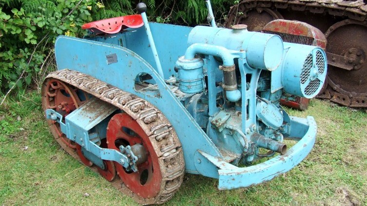 Lot 576: Ransomes MG2 Crawler - SOLD £620