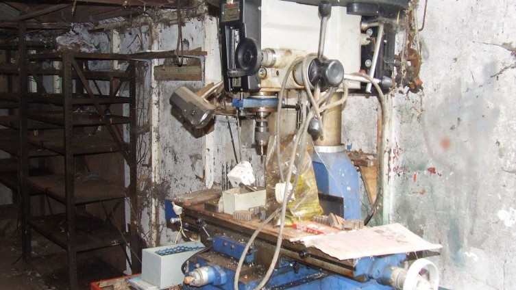 Lot 18: Acra Milling/Drilling Machine & Accessories - SOLD £660