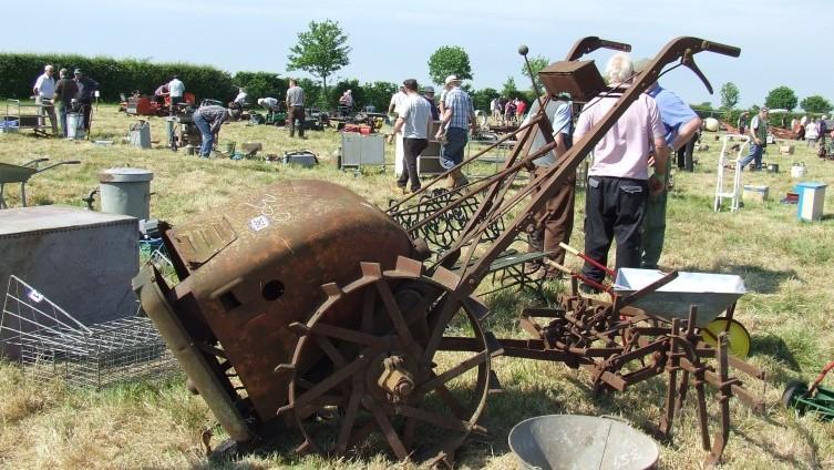 £110 - Lot 360: Anzani Garden Tractor