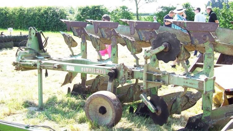 £440 - Lot 753: Dowdeswell Plough