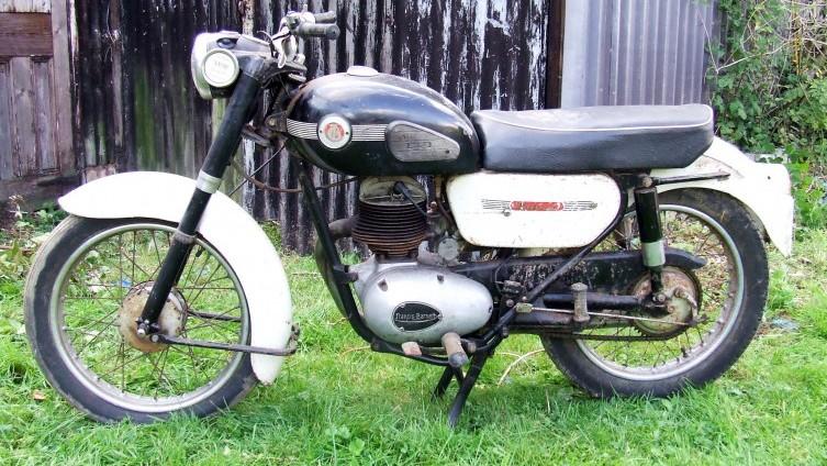 Lot 605: 1964 Francis Barnett Falcon 87 - SOLD £680
