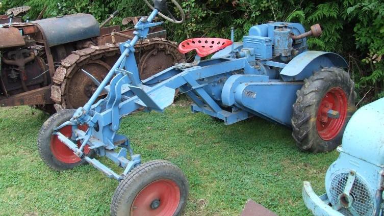 Lot 578: Garner 7 Garden Tractor - SOLD £400