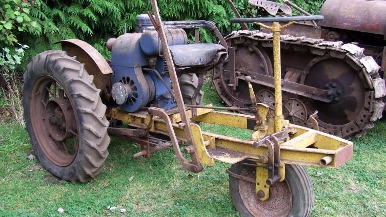 Lot 574: Gunsmiths Mk2 Garden Tractor - SOLD £350