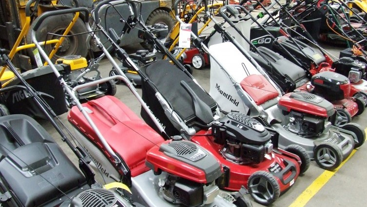 Mowers (see catalogue for details of individual lots)