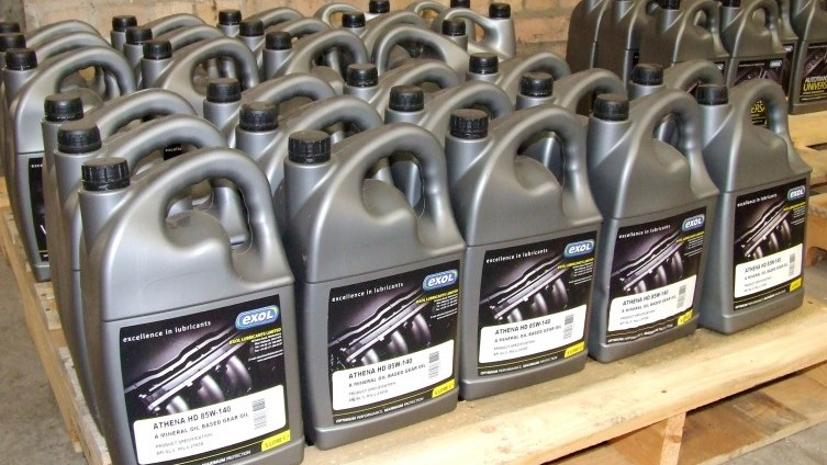 Oils & lubricants: (see catalogue for details of individual lots)