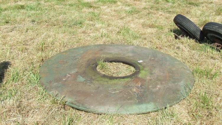 £210 - Lot 897: Wheelwrights Plate