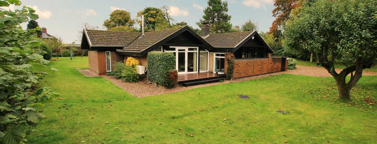 Shakkei Holton cum Beckering - An outstanding individual architect designed detached bungalow with large grounds £325,000