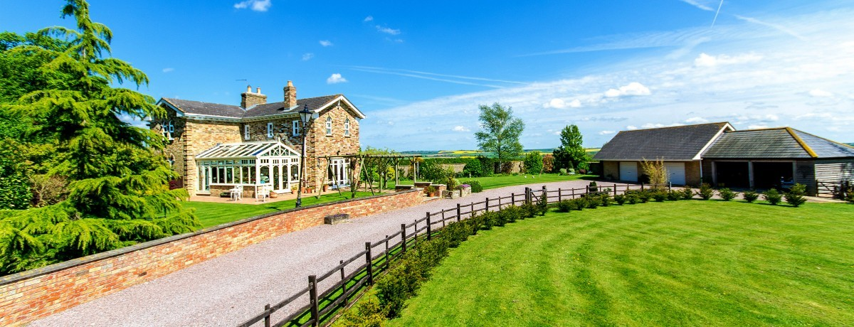 The Lodge Lincoln Road Edlington - £465,000