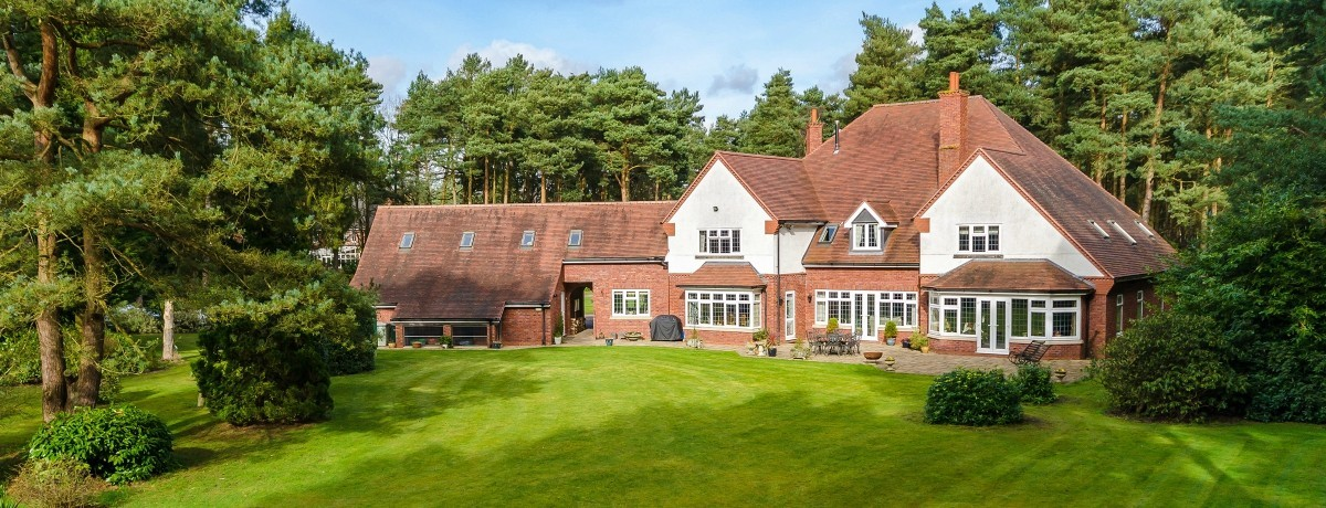 Warrenwood, 38 Horncastle Road, Woodhall Spa - £1,150,000 - A Stunning home in a prime location!