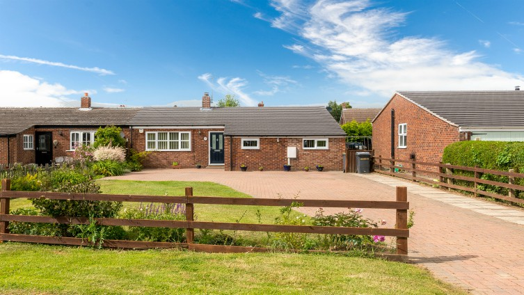 Well presented semi-detached bungalow