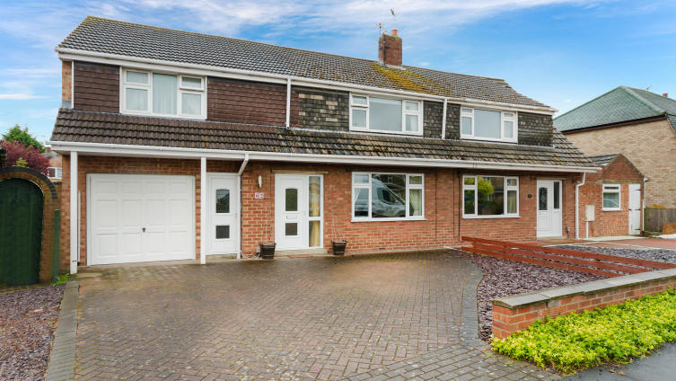 A surprisingly substantial 4 bedroom semi-detached, Constance Ave, North Hykeham.