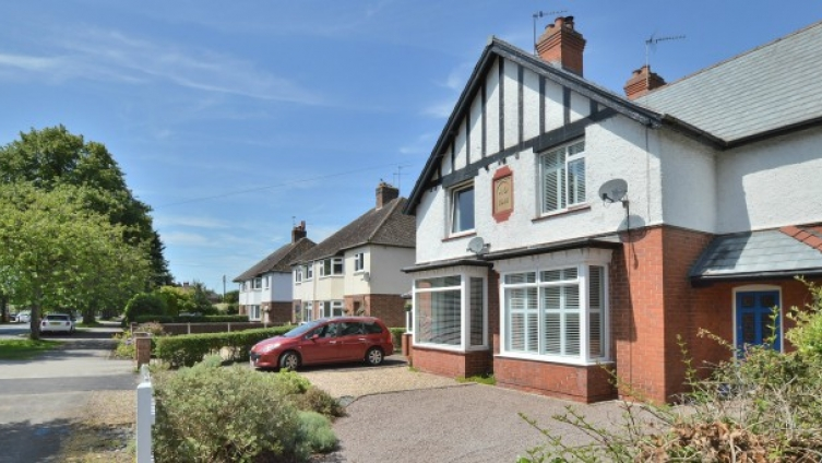 Edwardian semi-detached house, central Woodhall Spa
