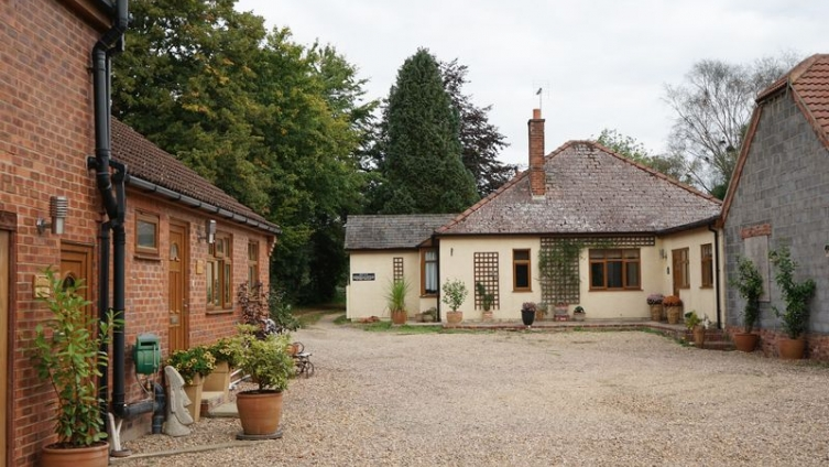 Reddings, Kirkby on Bain - 5 Bed Bungalow, 9 Acres (sts) inc Woodland, 2 Bed Cottage, 2 Bed Annexe,