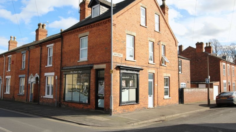 71 Rasen Lane, Lincoln