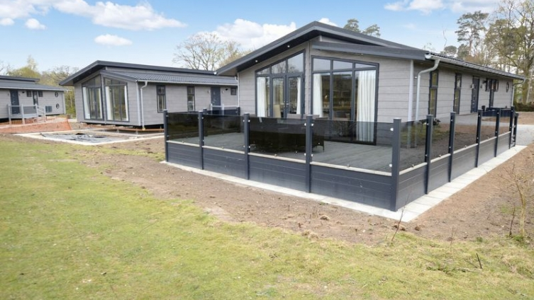 Casa Di Lusso, Woodhall Country Park Holiday Lodges, Stixwould Road, Woodhall Spa