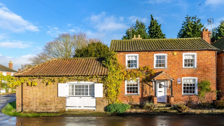 Unique pair of beautifully presented cottages in picturesque Old Bolingbroke