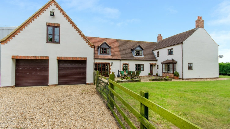 Substantial Country Residence Kirton Lindsey