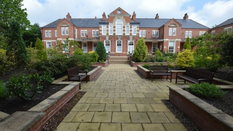 2 The Alexandra (Ground Floor Apartment), The Broadway, Woodhall Spa